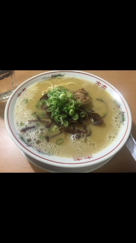 スープ、麺、タレから自作の本格豚骨ラーメンのレシピは実は簡単です。